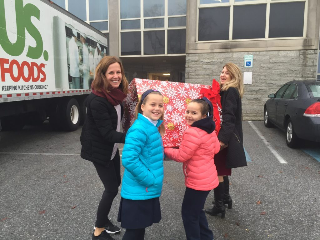 Villa Maria Academy Supports Delaware Valley Children's Charity Holiday Program